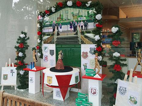 schaufensterdeko weihnachten neuss1